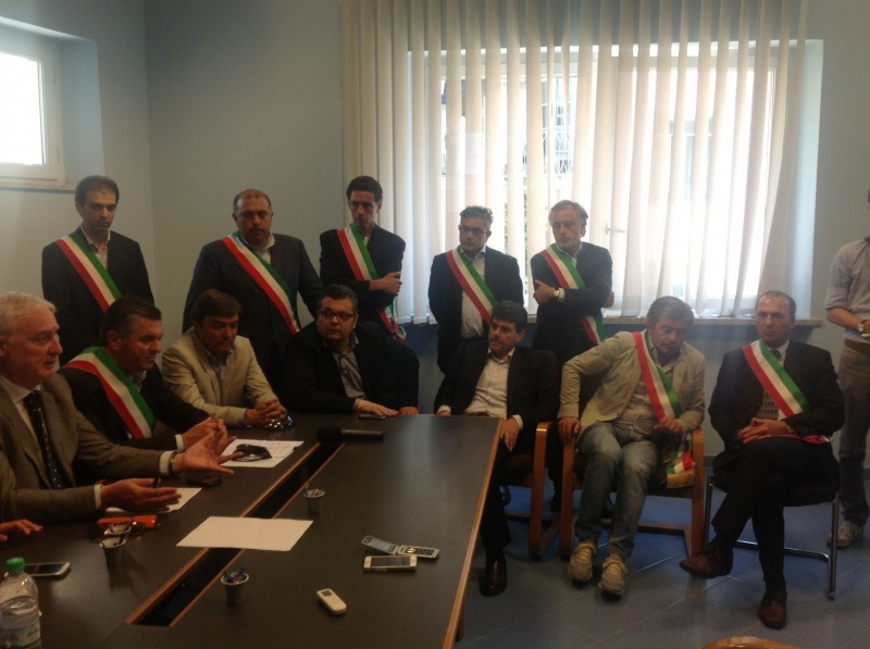 I sindaci cilentani occupano direzione dell'Asl. A Mezzogiorno incontro con Stefano Caldoro