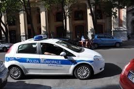 Sgomberato un edificio diroccato occupato abusivamente da 8 rumeni